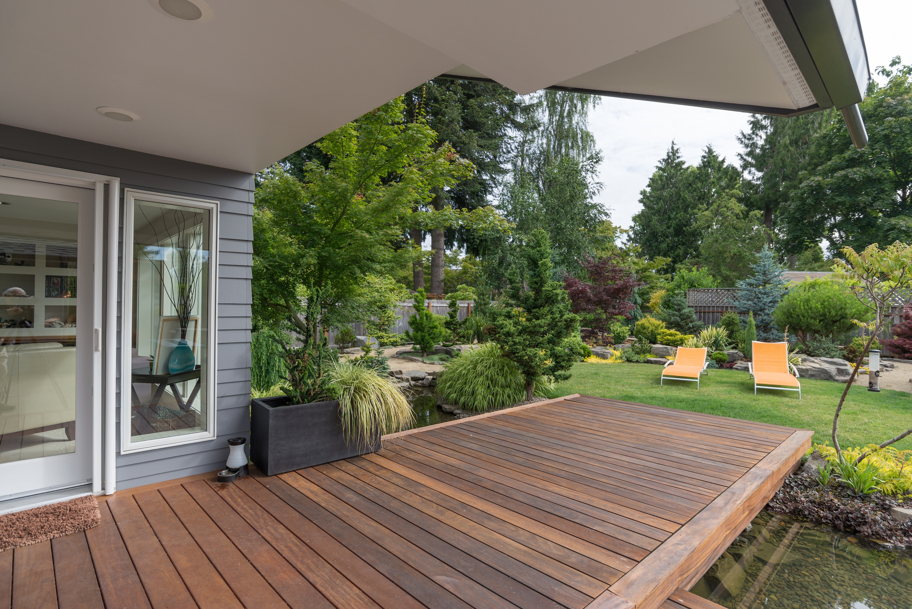 Maintaining and Restoring A Backyard Deck | D and D Painting